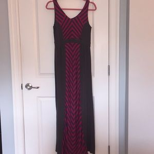 Apt 9 Maxi Dress - Dark Gray & Magenta - Small